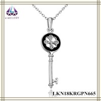 Exquisite Key Pendant With Clear Zircon Beautiful Chain Necklace For Women White Gold Jewelry