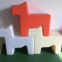plastic home/garden/shopping mall small dog shape decoration stackable plast toy dog