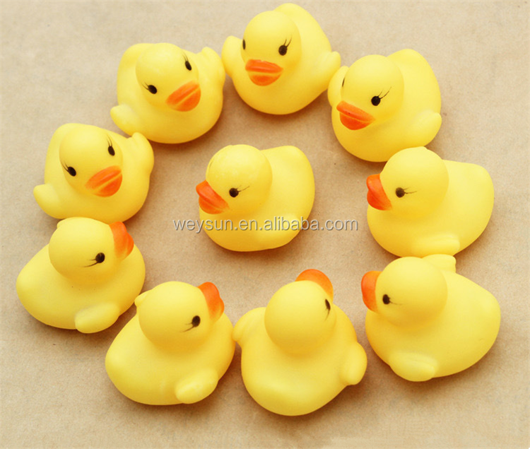 4*4*3.1cm Mini Yellow Rubber duck Bath toy Sound Floating Ducks