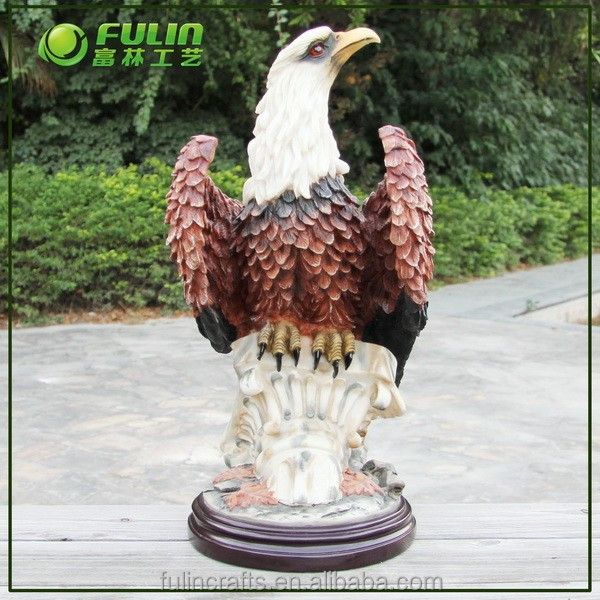 Polyresin Eagle Sculptures For Home Decoration