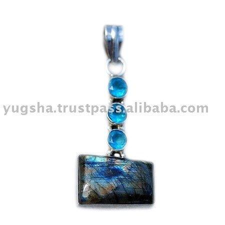 Silver Labrodorite & Blue Topaz Pendant,sterling silver jewellery,sterling silver jewelery,gemstone jewelry,Silver Pendant