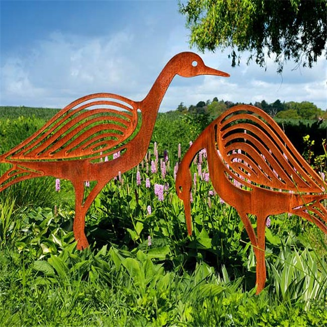 Outdoor Decoration Rusty Farm Animal Garden Ornaments Hare Garden Ornaments