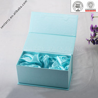 2016 blue gift packaging box with magnetic closure and silk insert