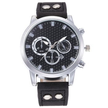 Simple Design Silver Color Big Dial Men Leather Watch Three-eyes Quartz Sports Watches With Calendar LW320