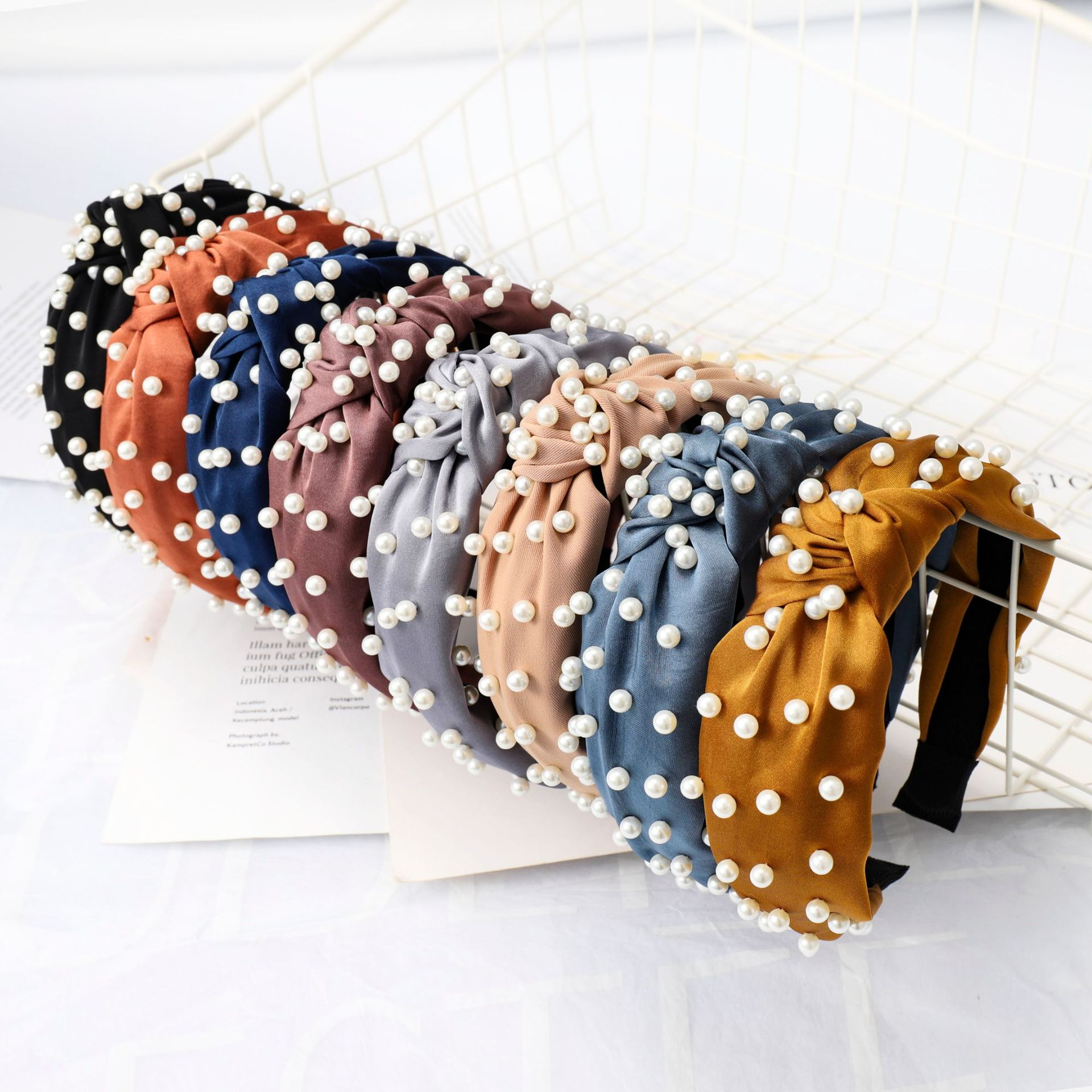 Wholesale Fashion Hair Band Accessories Custom Women Head Tie Knot Beaded Elastic pearl <strong>Headband</strong> For Girls