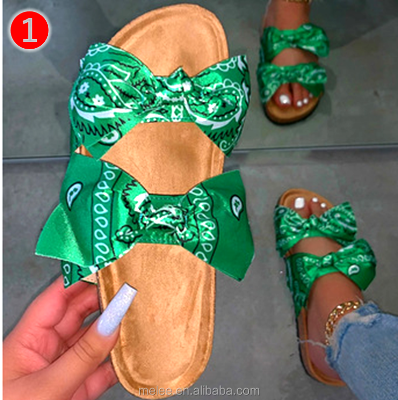 outside wild beach slippers ladies leisure home travel flip flop summer 2020 women's double-layer rhinestone buckle sandals
