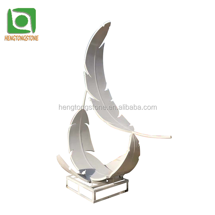 Beautiful Stainless Steel White Feather Sculpture For Garden Decoration