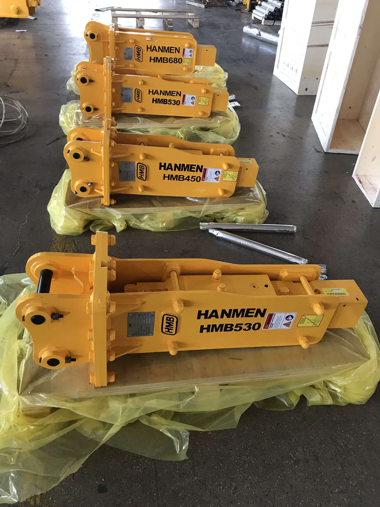 construction equipment hydraulic rock breaker with 53mm chisel for 2ton excavator
