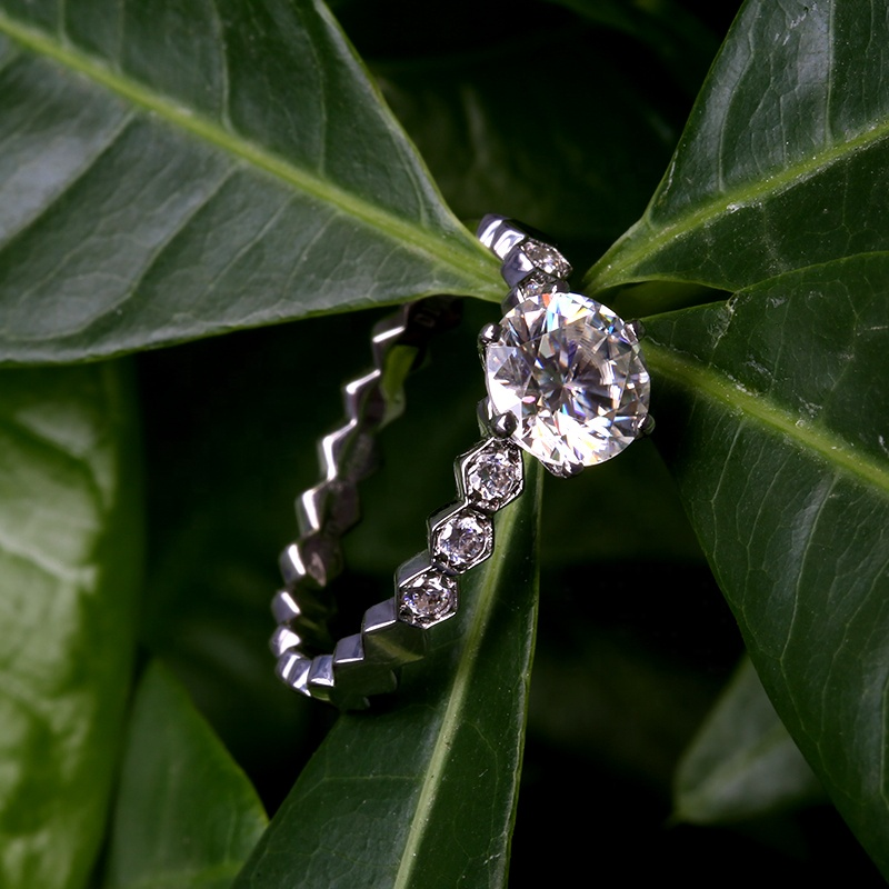 Snow flake 6 Prongs Ring with Moissanite Stone in 925 Sterling Silver for Wedding and Engagement