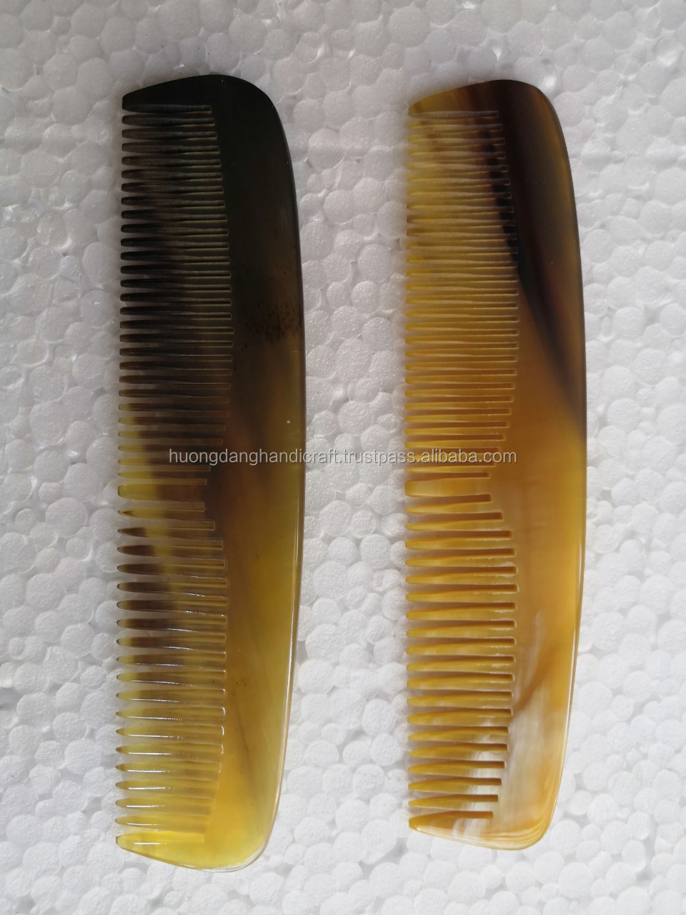 Yellow Durable Horn Comb, Hair Cutting Comb Custom Logo Salon Professional