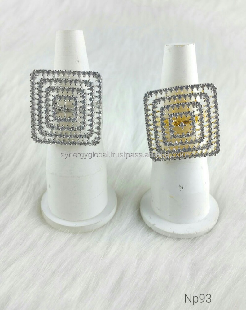 New European and American diamond ring with high quality zircons