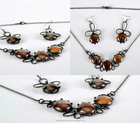 Jewelry set made from copper and glass