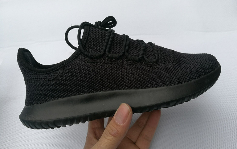 whats app +8615700739843 brand name shoes men women t-shirts factory direct shoes men's Yeezy 350 quality v2