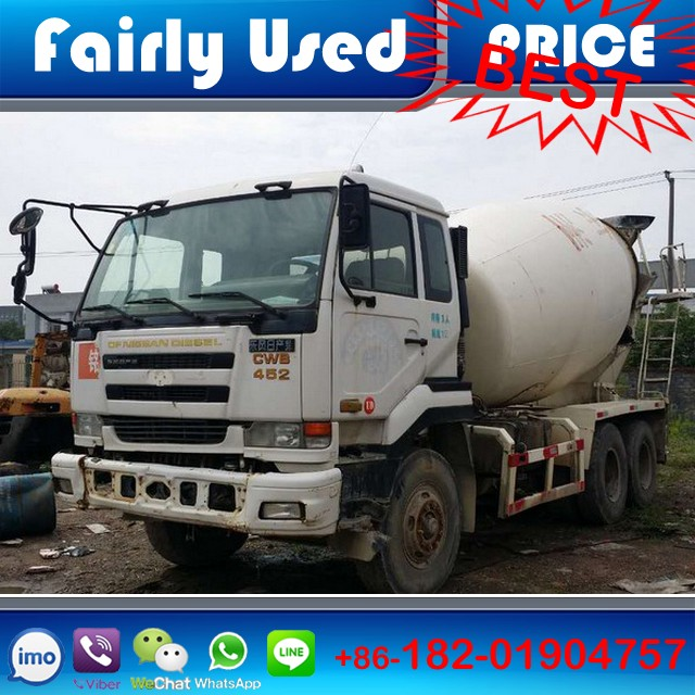 Japanese used nissan ud concrete mixer truck in concrete mixer