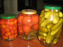 CUCUMBER AND CHERRY TOMATOES PICKLED IN GLASS JAR