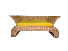 Vietnam handwoven water hyacinth pet house with nice shape and best place for your pet