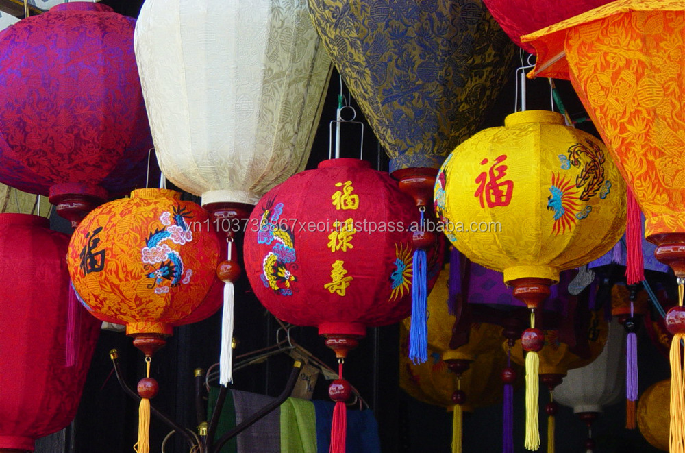 SILK/CLOTH LANTERN FROM HOIAN VIETNAM FOR WHOLESALE DECORATION THE RESTAURANT Mr James Whatsapp +84 977 650 159