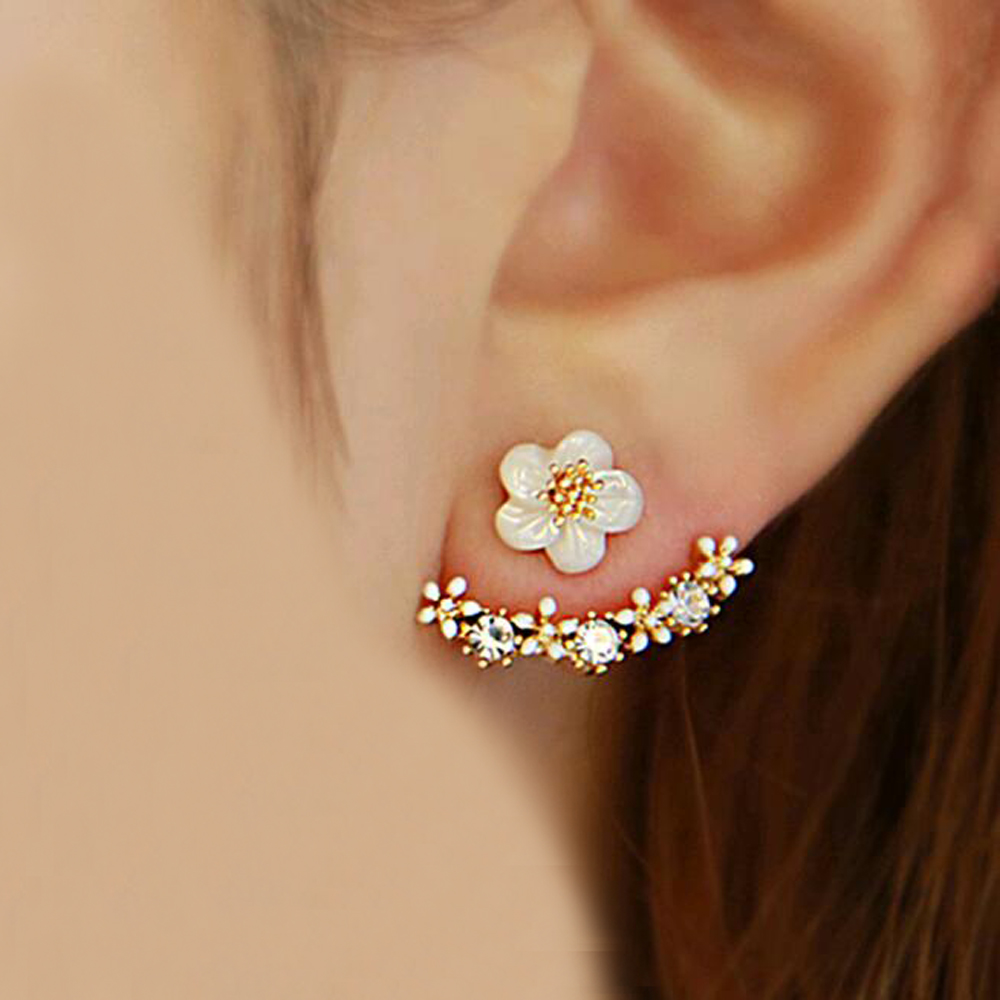 2017 new Fashion Imitation Pearl Stud Earrings silver Small Daisy Flowers Hanging Senior Female Jewelry ear stud for women