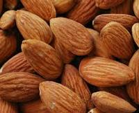 Premium Quality Eatable Almond nuts with good taste