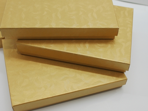 Mailer Box in gold color