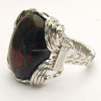 Spectacular 925 Sterling Silver Garnet Ring