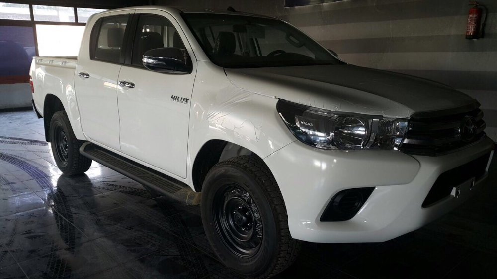 2016 New model Toyota Hilux 4x4 Double Cab diesel M/T 2.5L with ABS and airbag