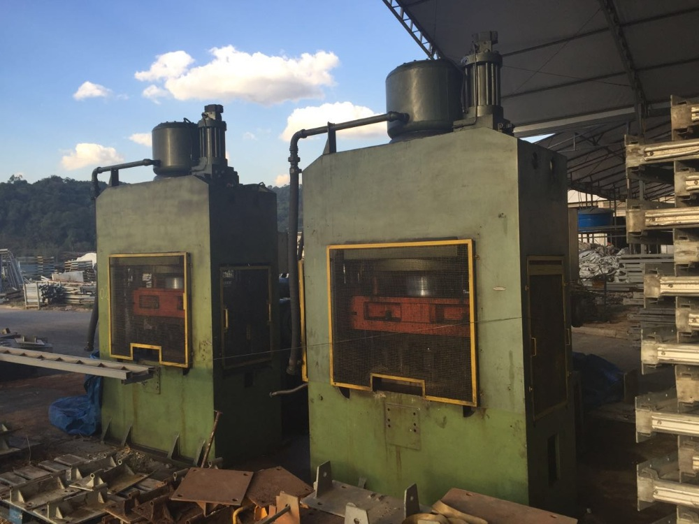 IKON Hydraulic metal forging press