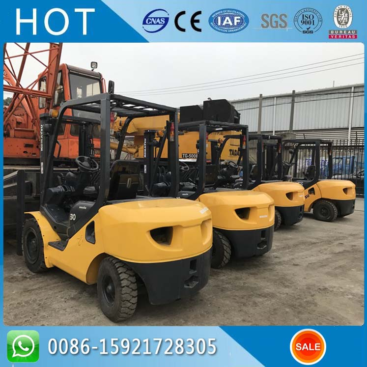 Cheap Price 3 Ton FD30 Original Used Komatsu Forklift For Sale in Shanghai Yard