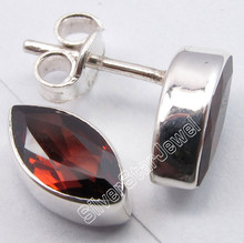 925 Sterling Silver RED GARNET STUNNING Studs Earrings 1.1 CM COMBINED SHIPPING