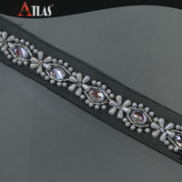 Big Rhinestone and Pearls Beaded Crystal Diamond Flower Embroidery Trim