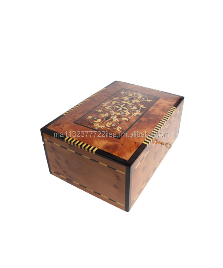 Box for jewellry handmade by Moroccan artisans using Thuya Wood