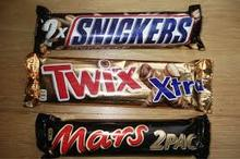 Snickers, Kitkat, Bnty, Maltesers, Kinder Joy, Kinder Surprise, Kinder Bueno, Twix, M&M's