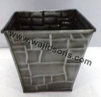 Unique cheap garden flower metal flower basket shape planter