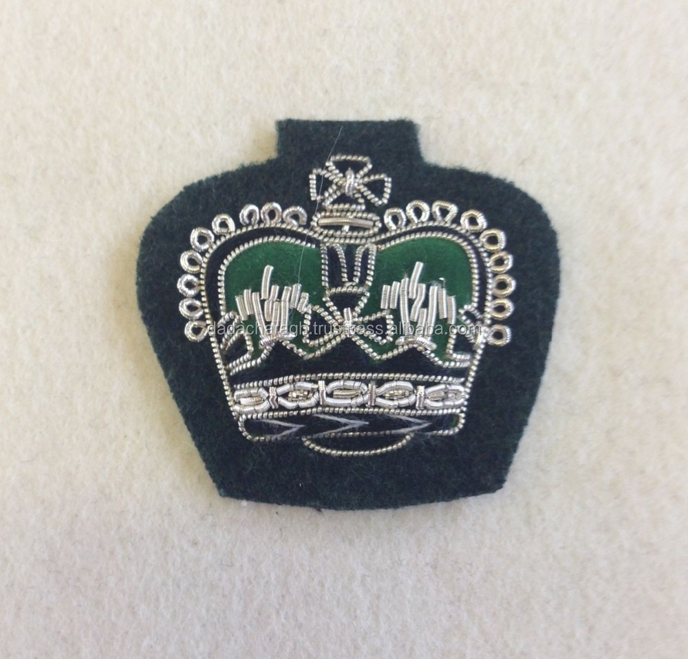 HANDMADE EMBROIDERED BLAZER BADGES THE RIFLES, CROWN RANK BADGE, MESS DRESS, GREEN, WARRANT OFFICER