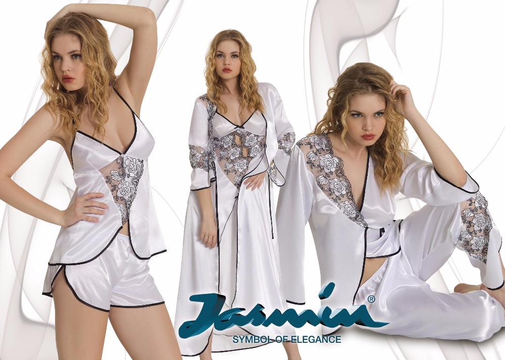 White Bridal Nightdress and Robe Pajama Set