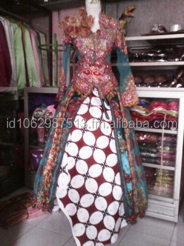 Traditional Embrodery Tile Kebaya Solo with Payet