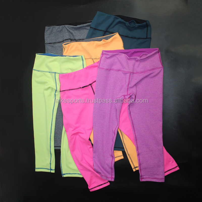FS300325 Custom Ladies Fold Over Lycra Sex White Brazilian Seamless Tight Capri Yoga Pants OEM Supplier Pakistan