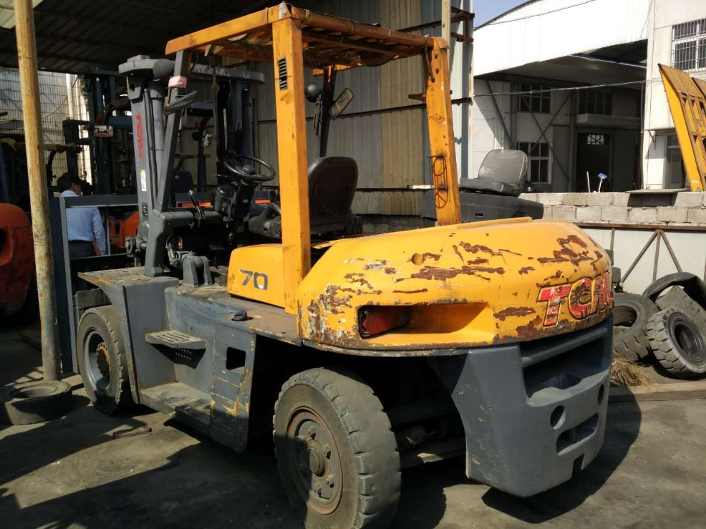 7 ton TCM FORK LIFT USED FOR SALE