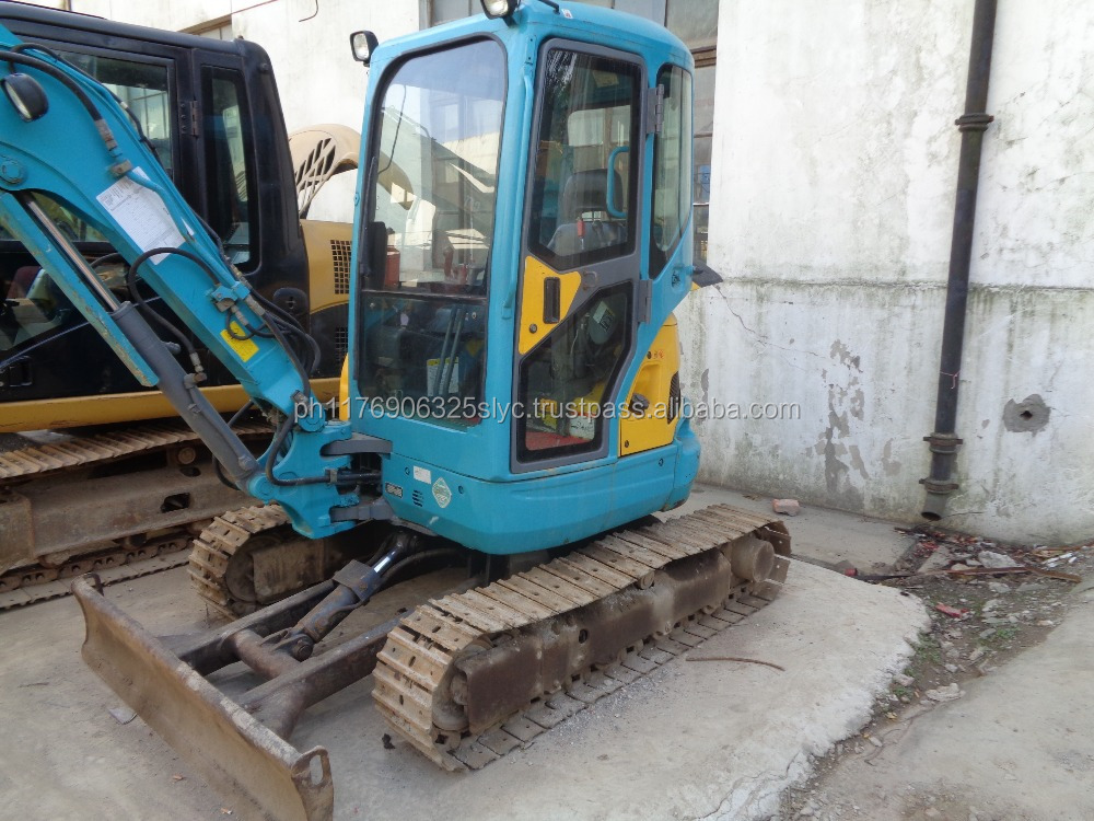 mini used excavator in Japan KUBOTA 135 hydraulic crawler small digger China for sale