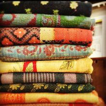 Wholesale Indian Vintage Gudari Old Kantha Sari Quilt