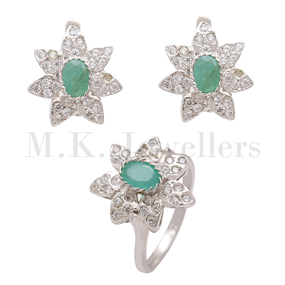 Stylish 925 sterling silver Emerald and American Diamond silver ring and earring combo