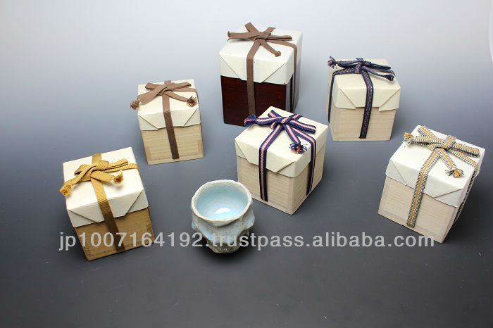 Elegant, classic, custom made, Japanese wooden pottery box wholesale for gift and for home accessories