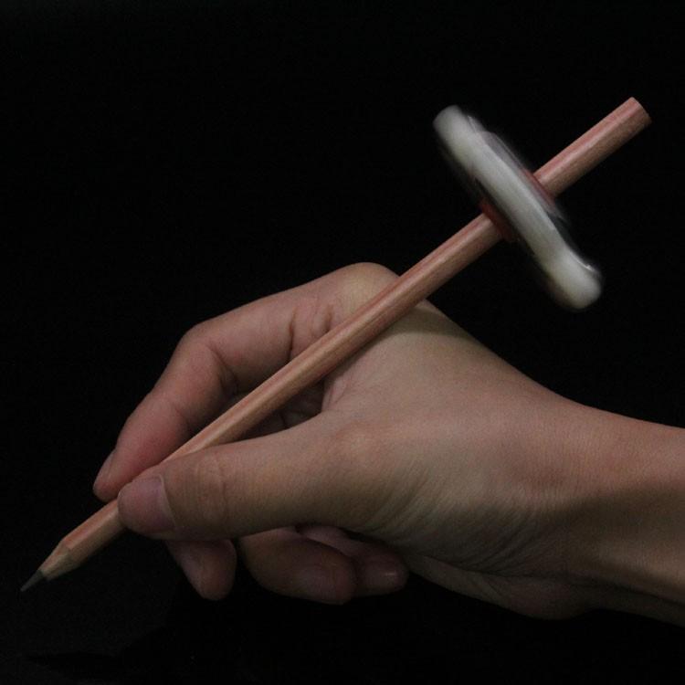 2017 china pencil mini fidget spinner tri spinner batman spinner
