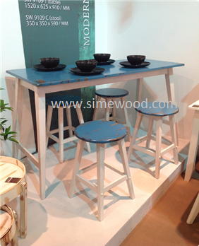 Modern wooden dining table set with 4 stools, Malaysia dining table