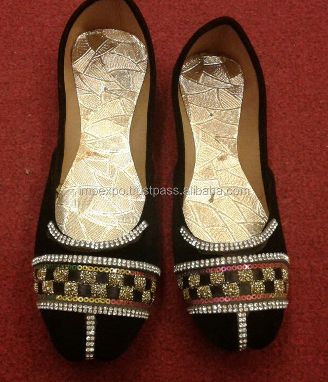 Pakistani khussa / beautiful ladies shoes / pakistani bridal shoes