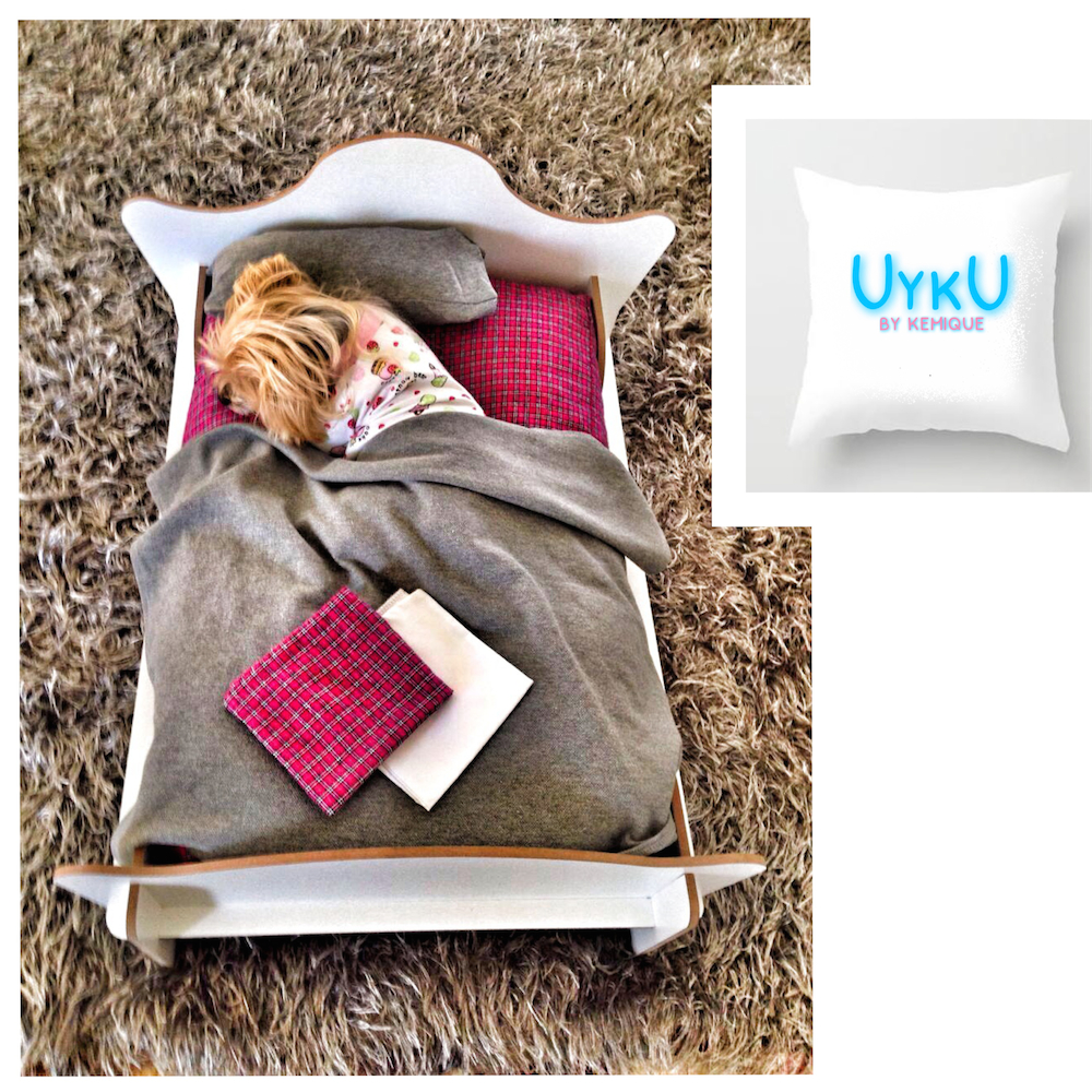 UYKU by Kemique - WHITE DOG BED - PINK GREY SHEETS