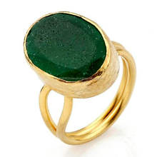 Dyed Emerald Funky & Stylish looking Hot Womens Ring 925 Sterling Silver Item