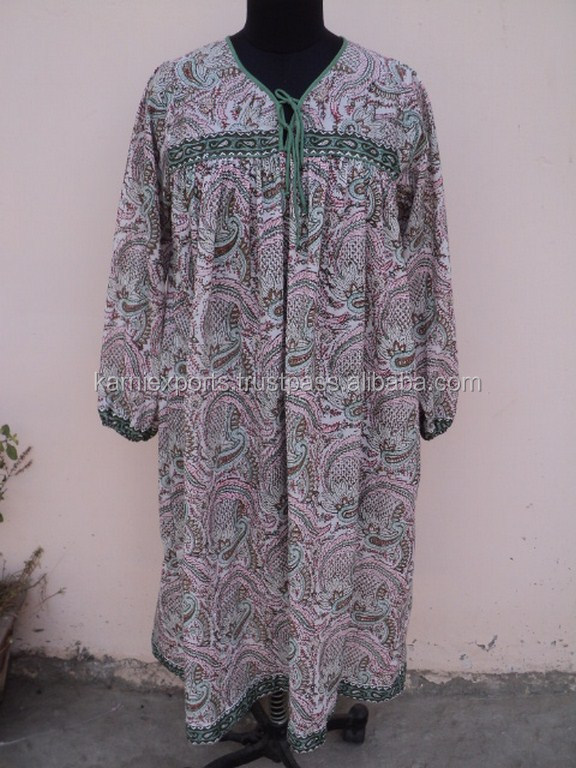 Bohemian folk woodland / Amazing 1970's dress / Paisley design pattern printed ladies casual dress in summer wear