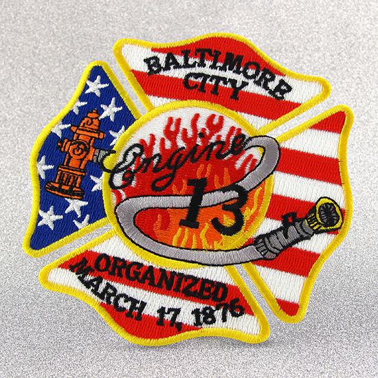 Garment Accessories Custom Embroidered Patch with Merrow Border