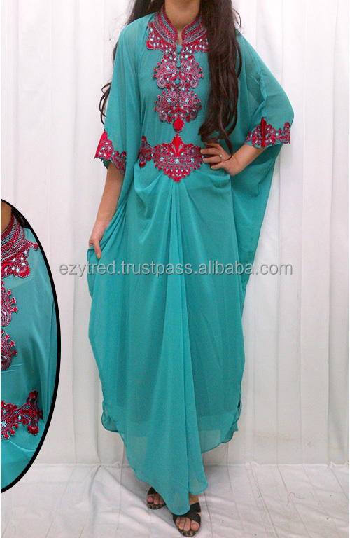 Retro Lace Embroidery Batwing Kaftan Jubah Dress (without Inner)